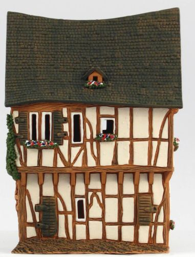 Ceramic Tealight Candle Holder | Room Decoration | Collectible miniature of Old House in Bernkastel-Kues, Germany | C243AR* © Midene