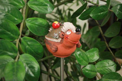 Ceramic garden decoration statue Animal figurine 'Hedgehog' H15cm. ©Midene clay