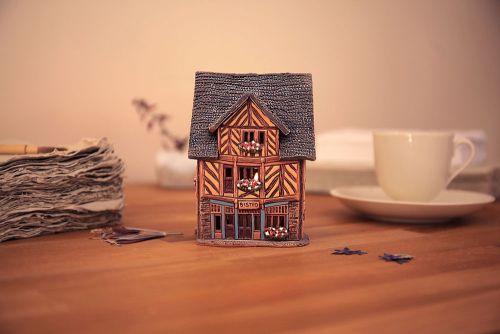 A264AR House in Brittany, France (Candle holder)